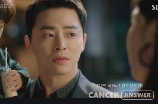 2016년 드라마 '질투의 화신'에서 주인공으로 나온 조정석이 유방암 환자로 그려졌다. 그로 인해 드물지만 남자도 유방암에 걸릴 수 있다는 사실이 널리 알려졌다./ SBS 캡처